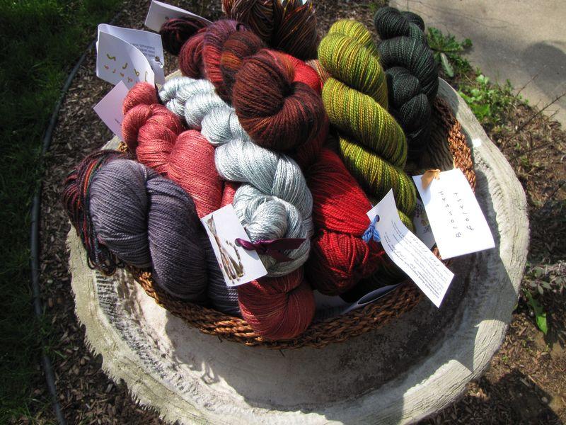 Hand dyed yarn 001
