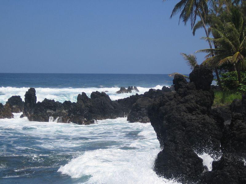 Ke'anae Peninsula Surf 6