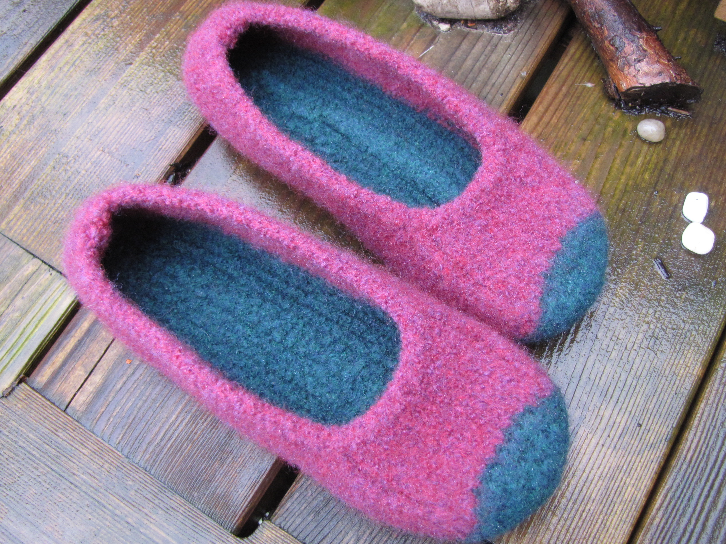The Island of Misfit Knits - Stepping Away from the Edge